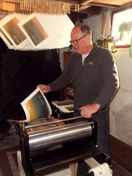 William Hays printing a linocut